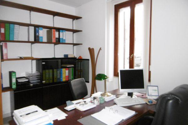 Via Piemonte ufficio ristrutturato mq. 100